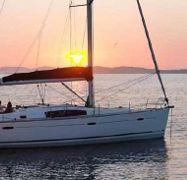 Sailboat Beneteau Oceanis 43 (2008)-1