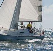 Barca a vela Beneteau First 27.7S (2009)-1