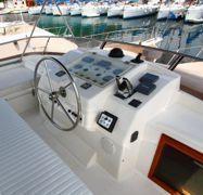 Imbarcazione a motore Yaretti 1910 (1991)-1