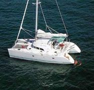 Catamarano Lagoon 380 (2009)-1