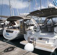Sailboat Beneteau Oceanis 48 (2015)-1