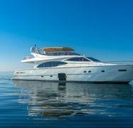 Barco a motor Ferretti 780 (2007)-1