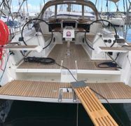 Sailboat Dufour 382 GL (2018)-1