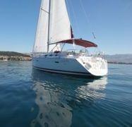 Sailboat Beneteau Oceanis Clipper 393 (2006)-1