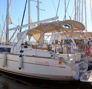 Sailboat Beneteau Oceanis 35.1 (2020)-1
