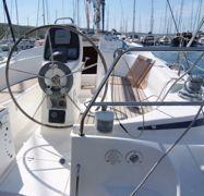 Sailboat Bavaria Cruiser 33 (2006)-1