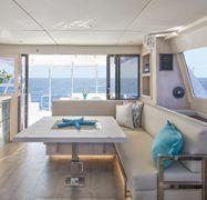 Motor Catamaran Leopard Moorings 433 (2018)-1