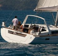 Sailboat Beneteau Oceanis 45 (2014)-1
