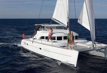 Catamaran Lagoon 380 (2011)-0