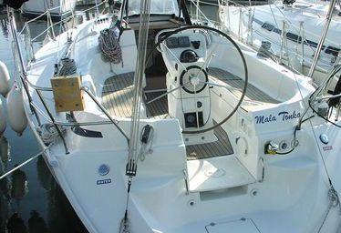 Sailboat Bavaria 36 (2004)-0