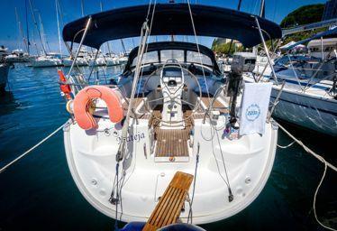 Zeilboot Bavaria Cruiser 37 (2007)-0