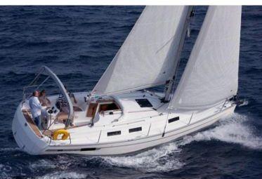 Zeilboot Bavaria 32 (2012)-0