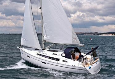 Segelboot Bavaria Cruiser 37 (2014)-0