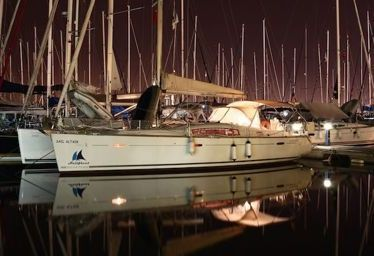 Sailboat Beneteau Oceanis 43 (2010)-0
