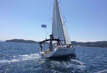 Sailboat Bavaria Cruiser 39 - 2007 (refit 2015)-0