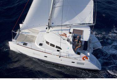 Catamarano Lagoon 380 (2014)-0