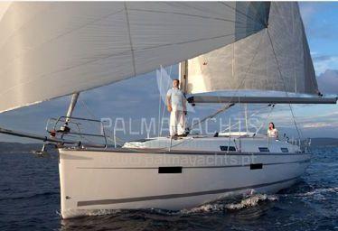 Sailboat Bavaria Cruiser 36 (2013)-0