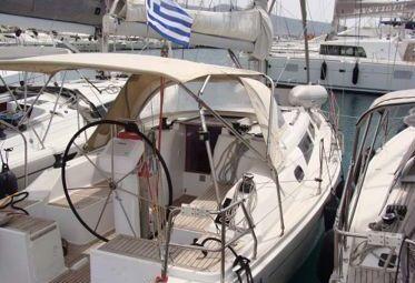 Sailboat Hanse 325 (2012)-0