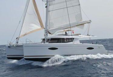 Catamaran Fountaine Pajot Helia 44 (2013)-0