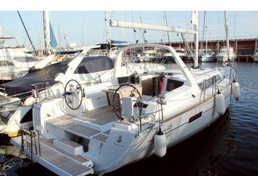 Sailboat Beneteau Oceanis 45 (2019)-0