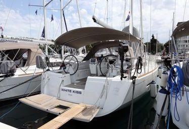 Sailboat Jeanneau Sun Odyssey 449 (2017)-0