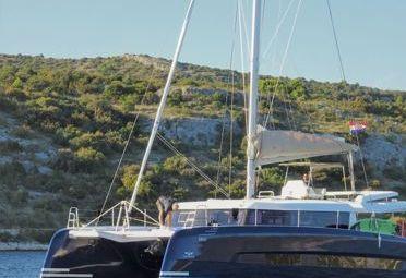 Catamaran Dufour 48 (2019)-0