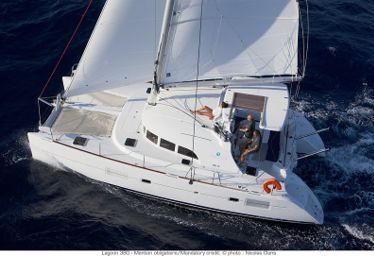 Catamarano Lagoon 380 (2013)-0