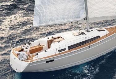 Sailboat Bavaria Cruiser 33 (2006)-0