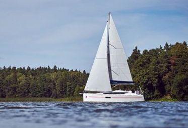 Sailboat Jeanneau Sunsail 319 (2019)-0