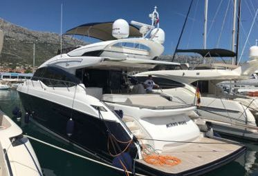 Motor boat Princess S65 (2018)-0