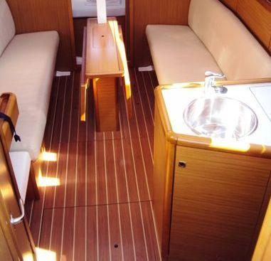 Sailboat Jeanneau Sun Odyssey 30 i (2009)-4