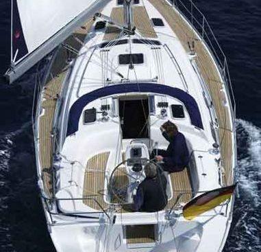 Sailboat Bavaria Cruiser 39 (2006)-4