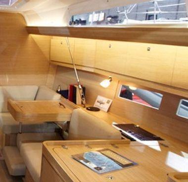 Barca a vela Dufour 410 (2013)-2