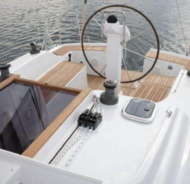 Barca a vela Hanse 325 (2012)-4