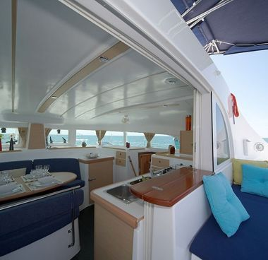 Catamaran Lagoon 380 S2 (2015)-4