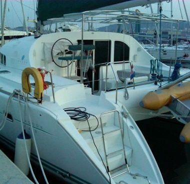 Catamaran Lagoon 410 S2 (2002)-2