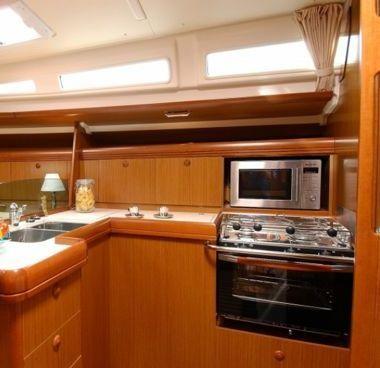 Sailboat Jeanneau Sun Odyssey 42 i (2012)-4