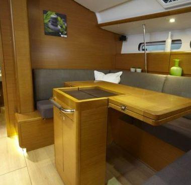 Zeilboot Jeanneau Sun Odyssey 439 Performance (2011)-2