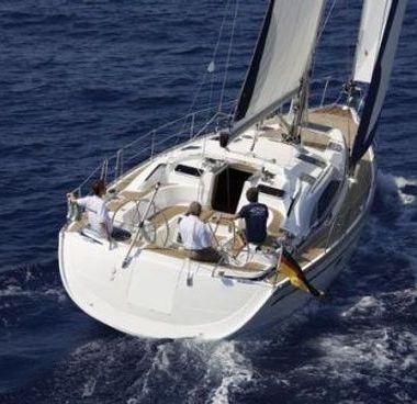 Sailboat Bavaria Cruiser 44 (2004)-2