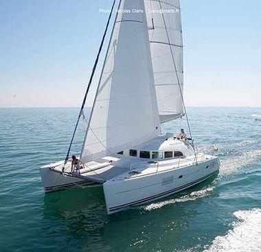 Catamaran Lagoon 380 S2 (2015)-2