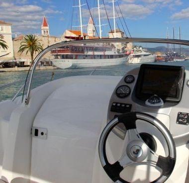 Speedboot Beneteau Flyer 550 Sun Deck (2008)-4