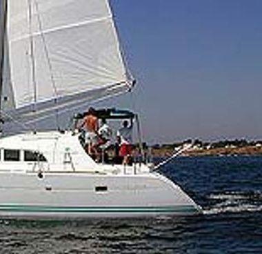Catamarano Lagoon 380 (2009)-2