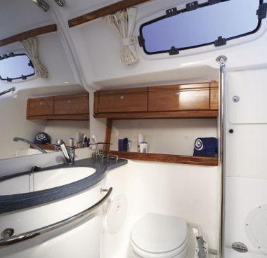 Sailboat Bavaria 42 - 2006 (refit 2018)-4