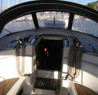 Sailboat Bavaria 42 (2008)-4