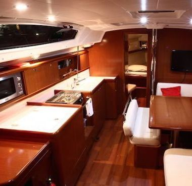 Sailboat Beneteau Oceanis 43 (2010)-2