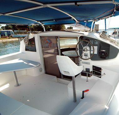 Catamaran Fountaine Pajot Athena 38 (2003)-2