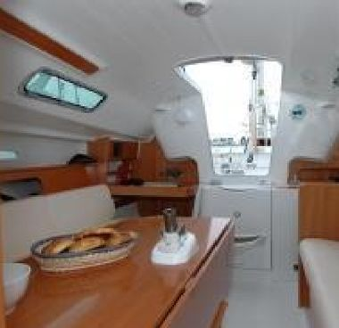 Sailboat Beneteau First 25 S (2013)-2