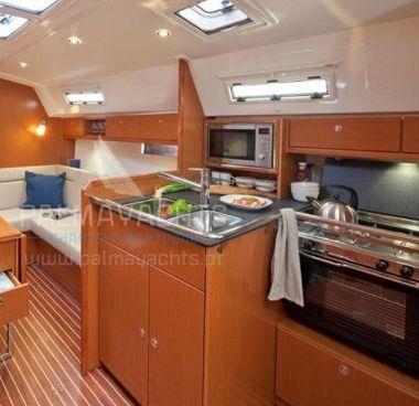 Sailboat Bavaria Cruiser 36 (2013)-4
