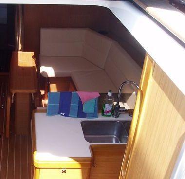 Sailboat Jeanneau Sun Odyssey 42 i (2009)-2