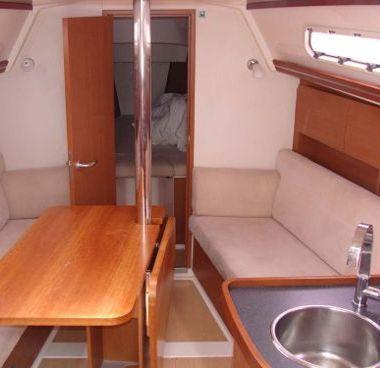 Sailboat Hanse 325 (2012)-4
